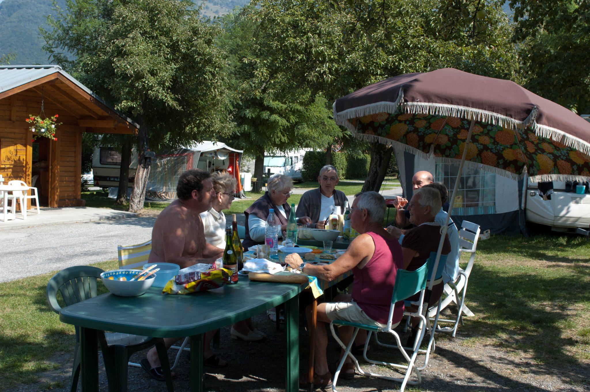 Camping en montagne avec piscine wifi for Camping montagne avec piscine